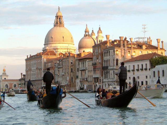 Венеция. Большой канал. Гондолы