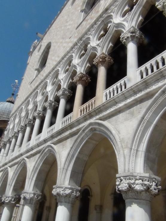Колонны дворца Дожей. Венеция